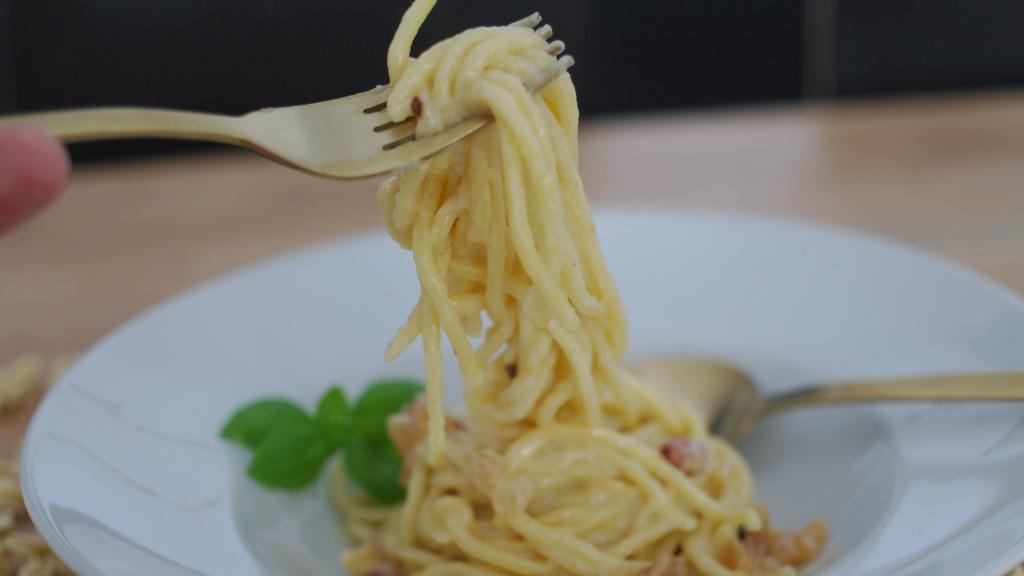 Spaghetti Carbonara genießen