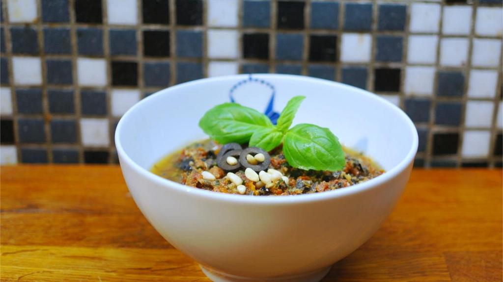 Tomaten-Oliven-Pesto